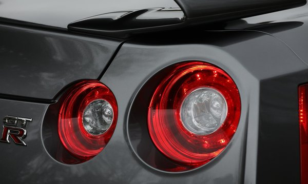 Nissan-gt-r_us-version-2018-1280-0e