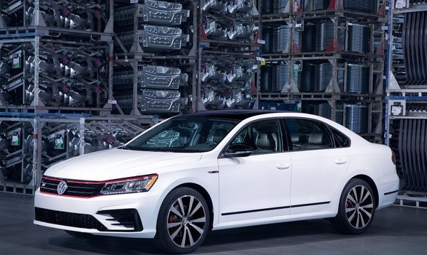 Volkswagen-passat_gt_us-version-2018-1280-01