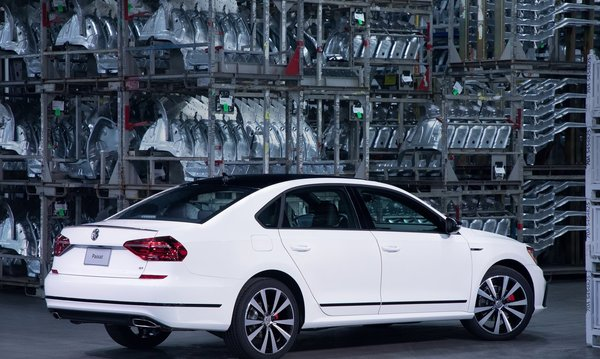 Volkswagen-passat_gt_us-version-2018-1280-05