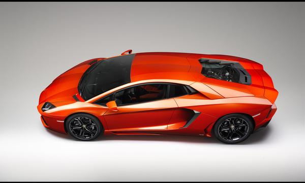 2012-lamborghini-aventador-lp-700-4-side-top-1280x960