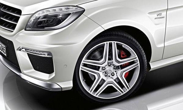 Mercedes-benz-ml63_amg_2012_1280x960_wallpaper_12