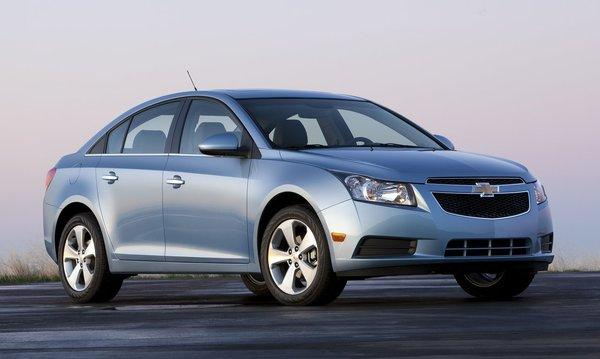 Chevrolet-cruze_2011_1280x960_wallpaper_0a